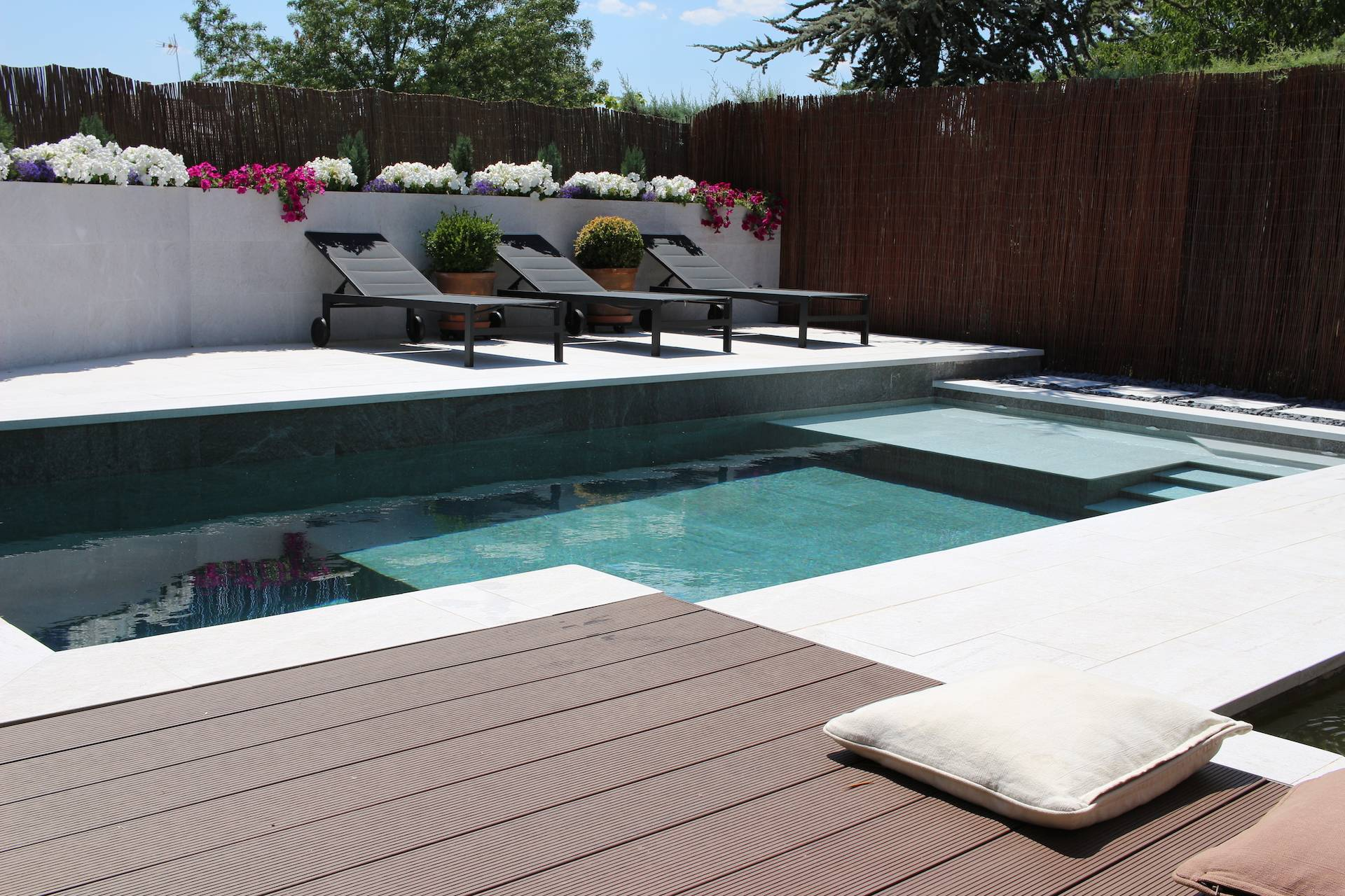 Pequeña piscina de diseño