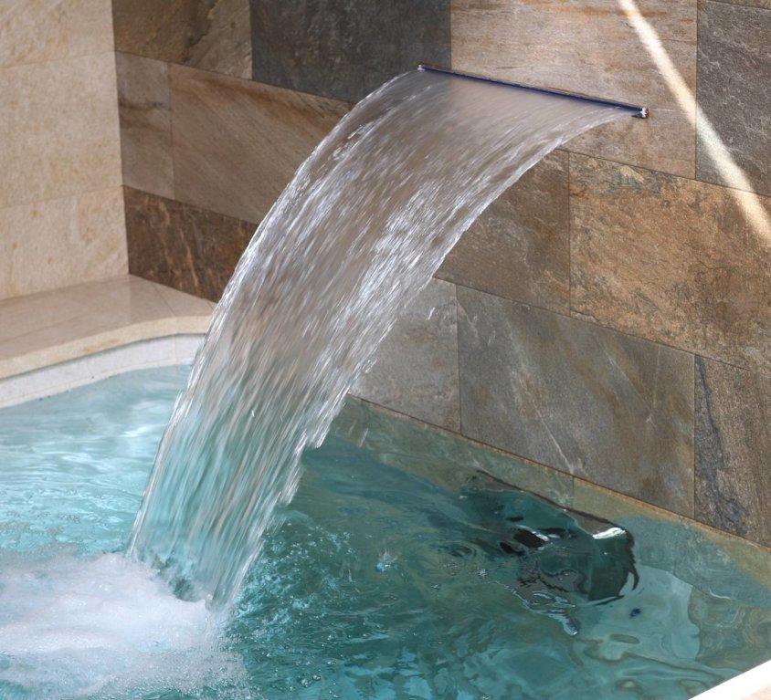 Piscina climatizada con agua salada