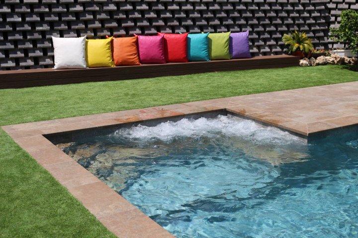 Puntos importantes para elegir un constructor de piscinas for Constructores de piscinas