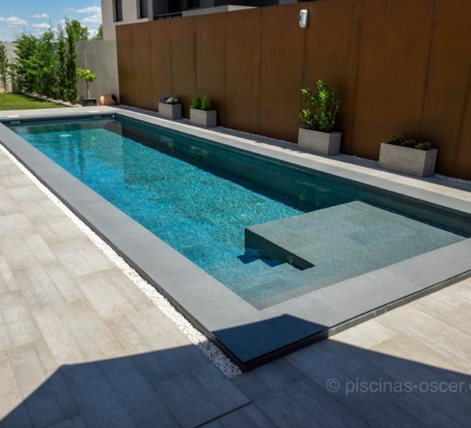 Diseño de piscina minimalista