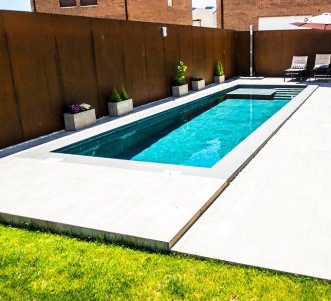 Construcción de piscina moderna en Guadalajara