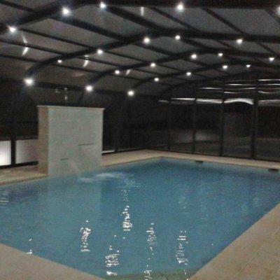 Cubierta elevada piscina