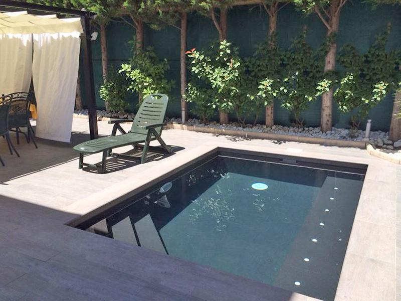 Pequeña piscina spa
